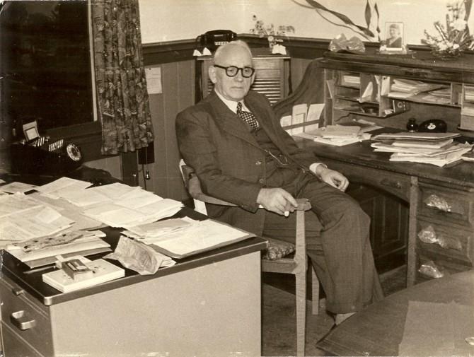 Afscheid Ons Belang Roelf Dieters (70 jaar) 1918-1957 directeur Ons Belang