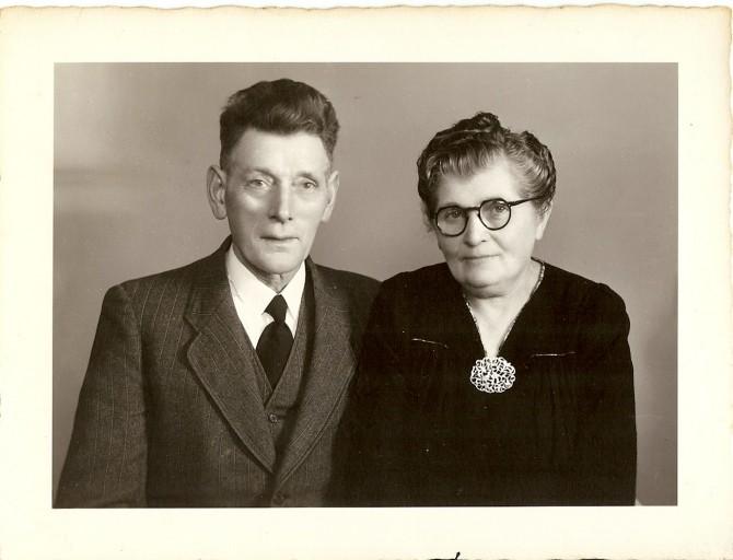 dECEMBER 1947 harmannus Stoker & Maria Veldman