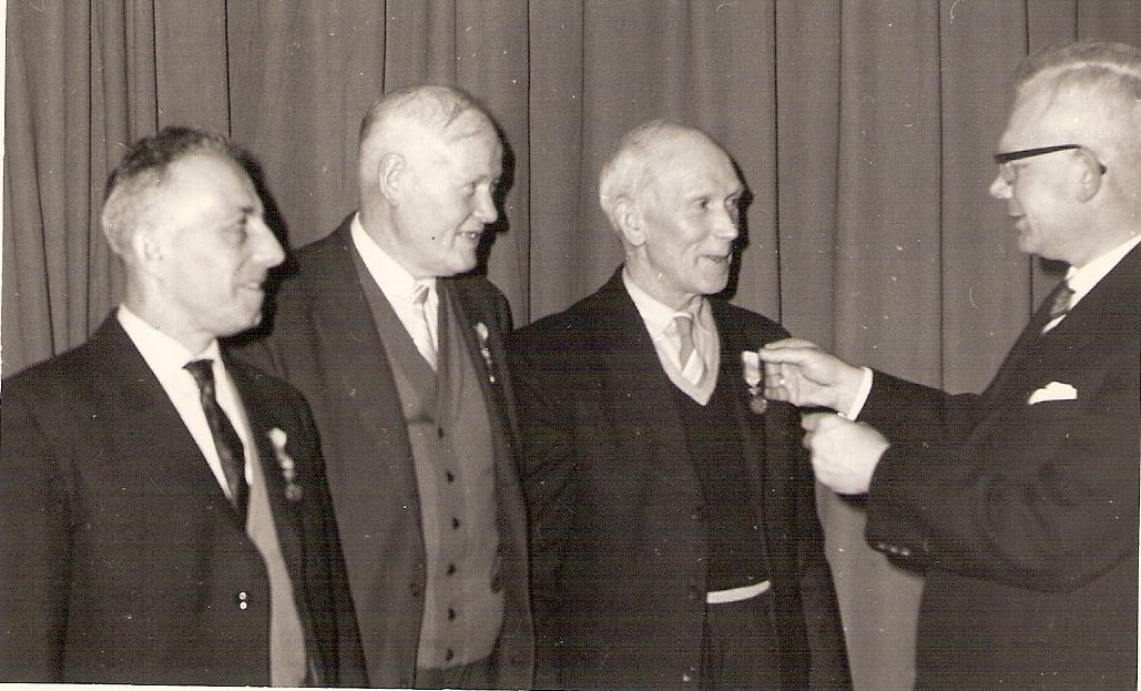 Onderscheiding Berend Nijmeijer, foto van Bé Nijmeijer