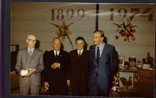 Tweede heer van links, Roelof Hellemans,